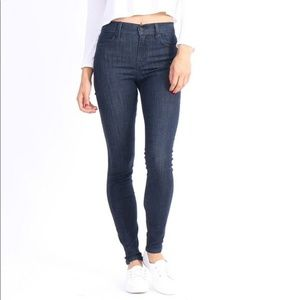 Level 99 High Rise Tanya Crop w Ankle Zippers